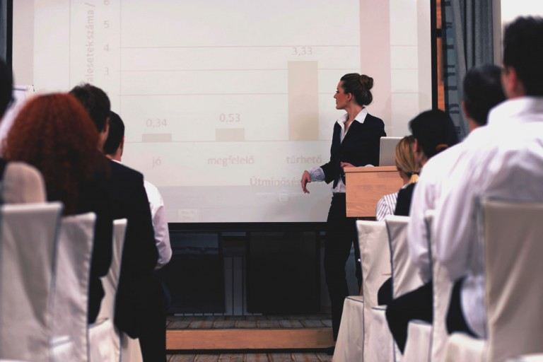Comunicacion-empresarial-Presentaciones-eficaces-Power-Point-Alma-Formacion